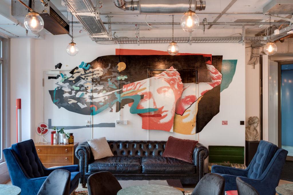 Art Pieces in Office Design